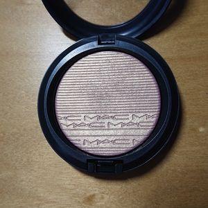 MAC Extra Dimension Beaming Blush